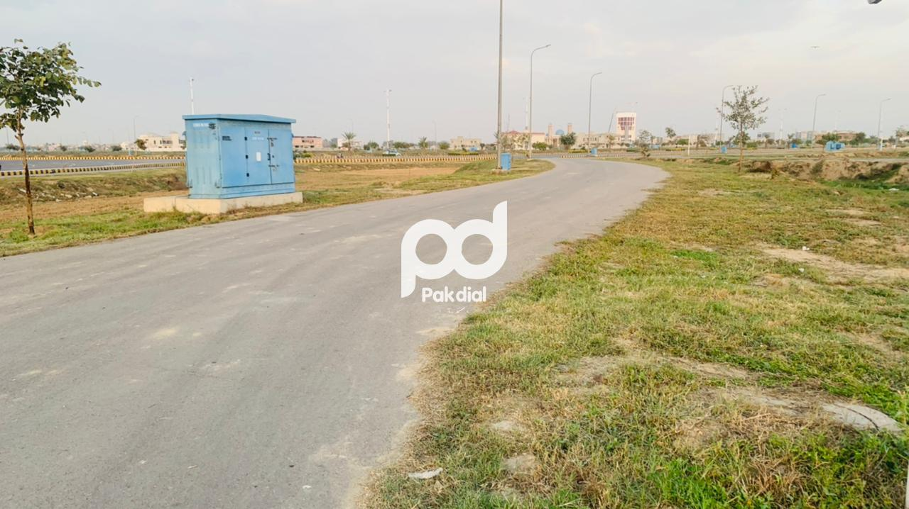 4 Marla Plot in Dha Phase 8 Commercial Broadway For Sale